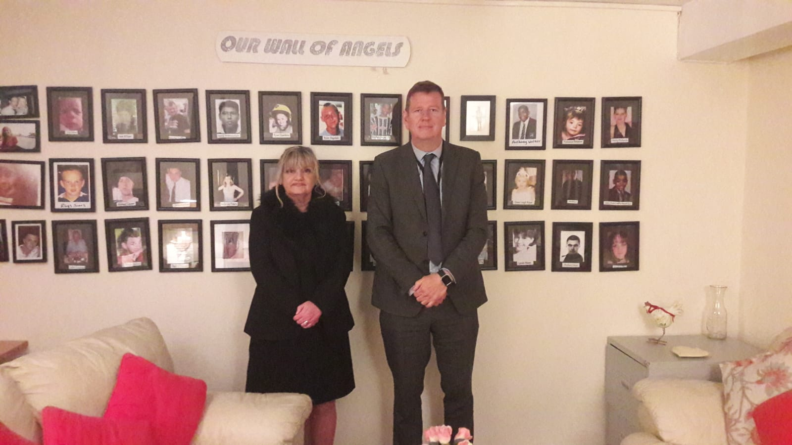 Jean with DCI Mark Baker Merseyside Serious Crime Squad. Anson Street Victims lounge